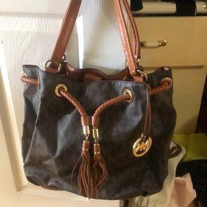 Like new michael kors handbag